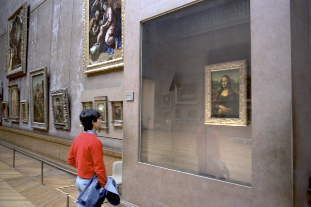 Louvre-Mona-Lisa-Paris.jpg